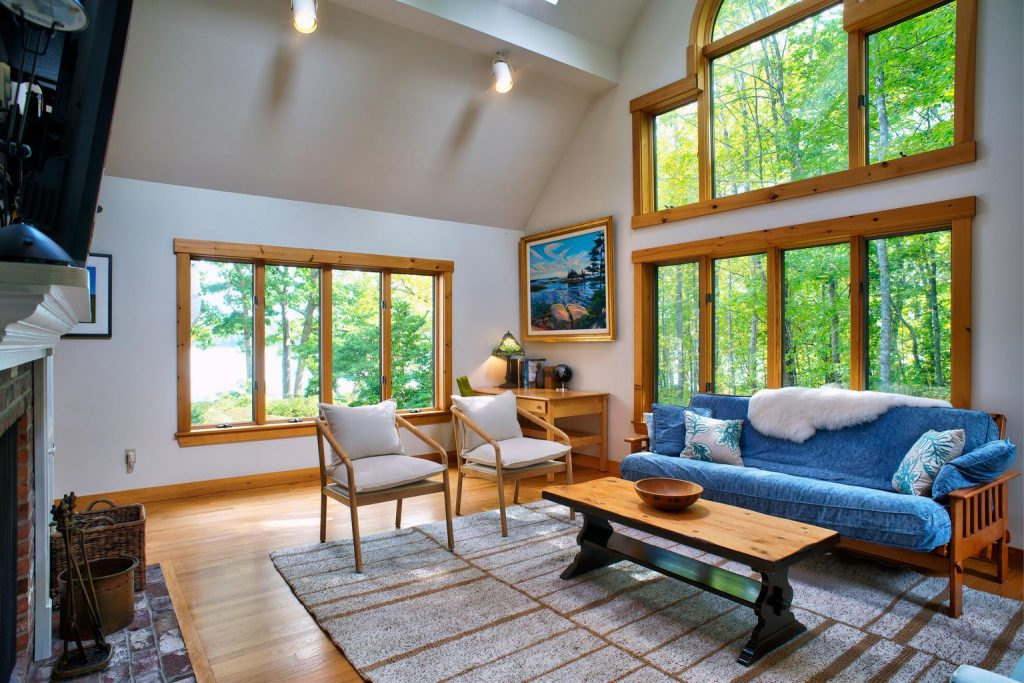 Waterfront Maine Home in Edgecomb
