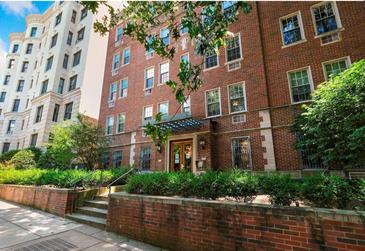 Condominiums for Sale at Kalorama, Washington, DC 20009