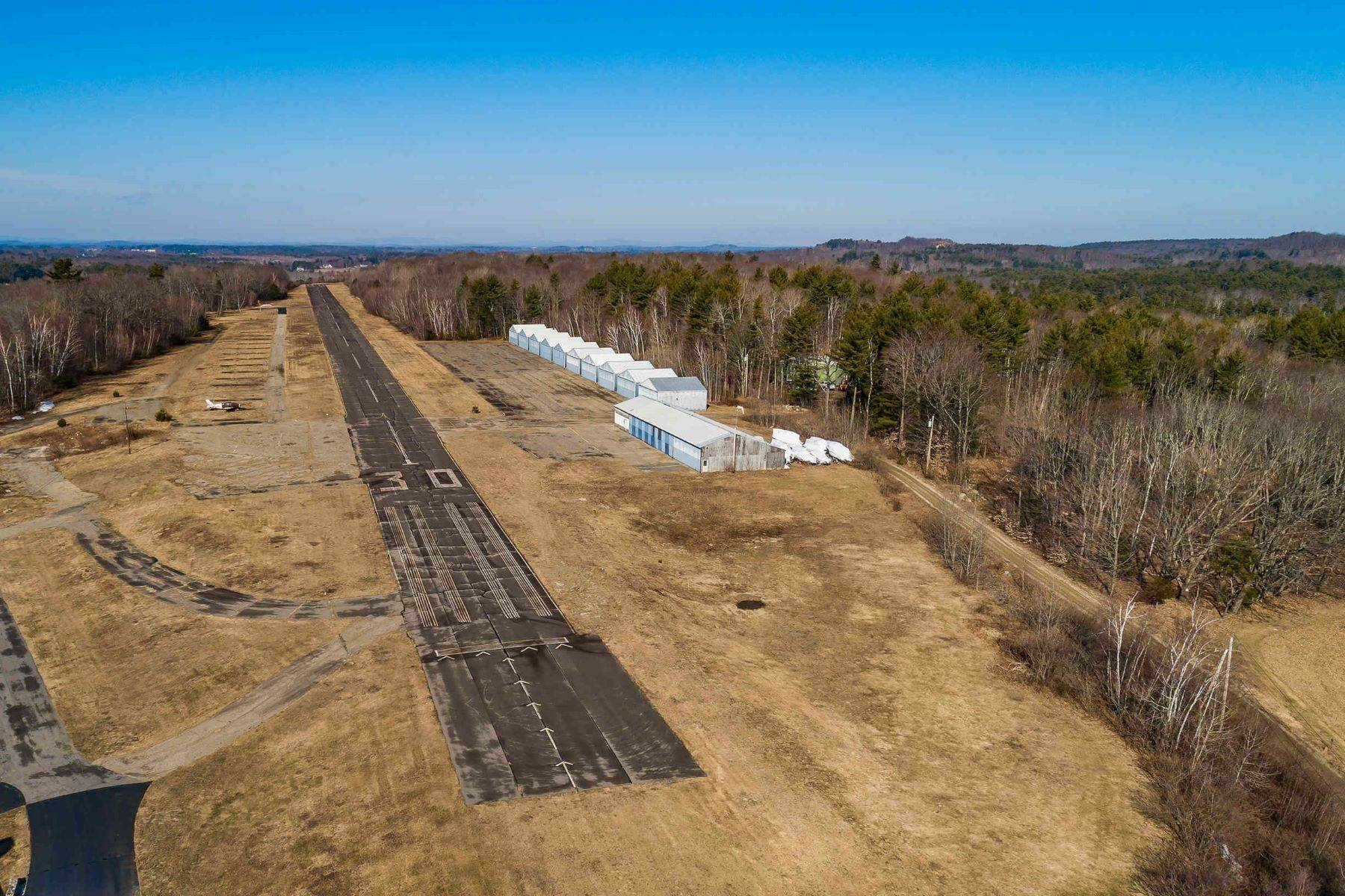 Terreno por un Venta en Littlebrook Airpark - Rare Opportunity! 107 Littlebrook Lane, Eliot, ME 03903