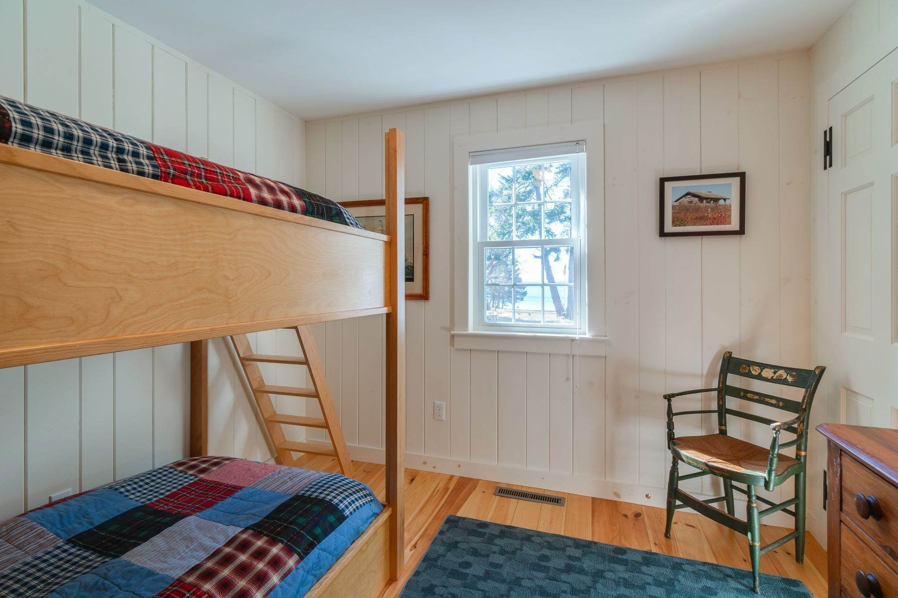 26. Other Residential Homes en Weather Barn 10 Beauchamp Point Road, Rockport, ME 04856