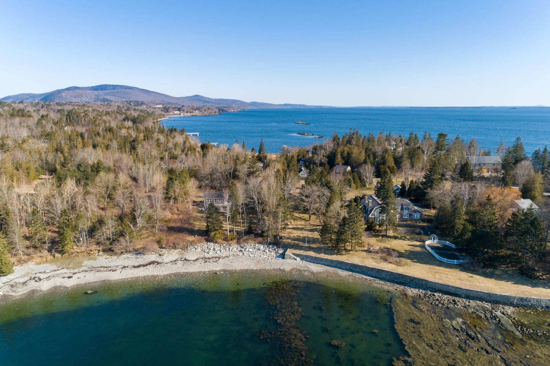 3. Other Residential Homes en Weather Barn 10 Beauchamp Point Road, Rockport, ME 04856