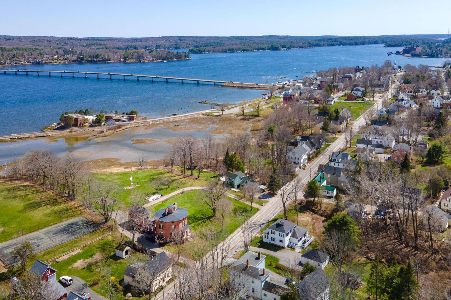 Single Family Homes en Wiscasset, ME 04578