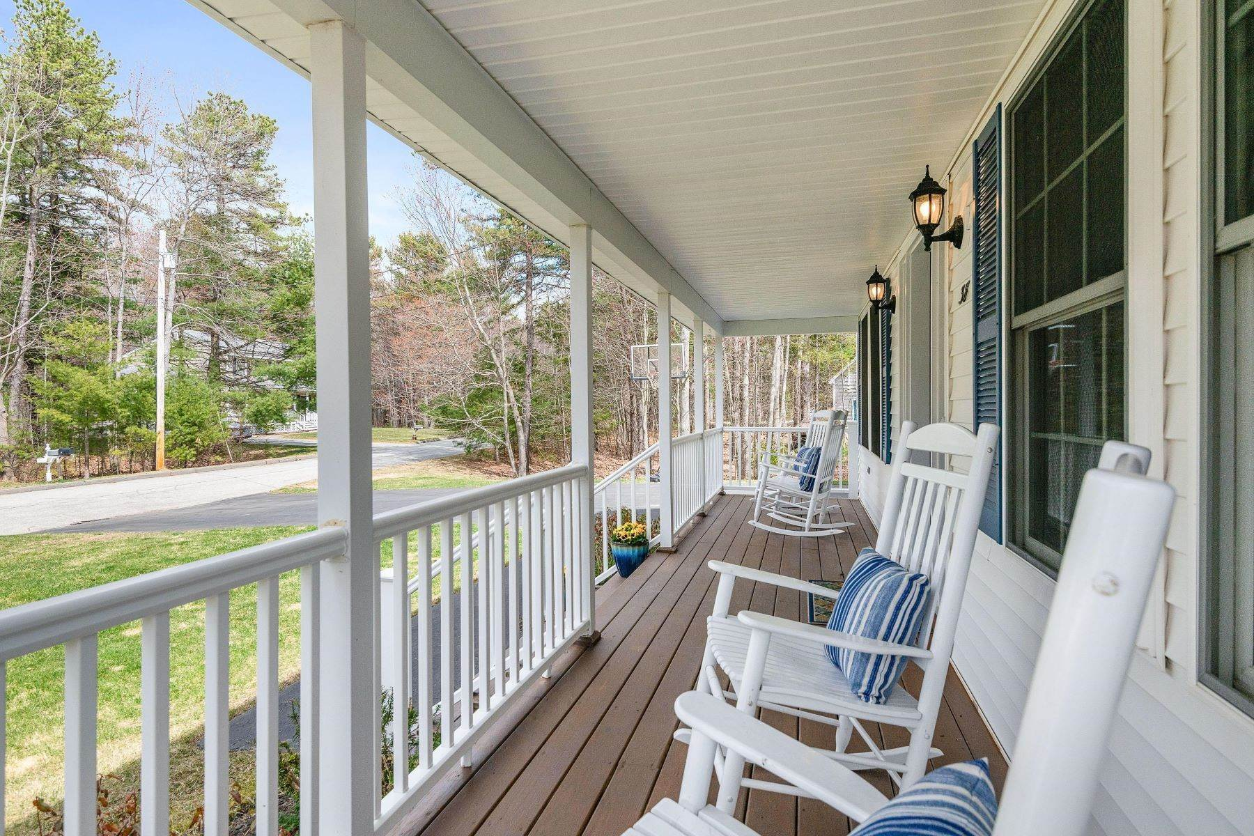 2. Single Family Homes for Sale at Brunswick, ME 04011