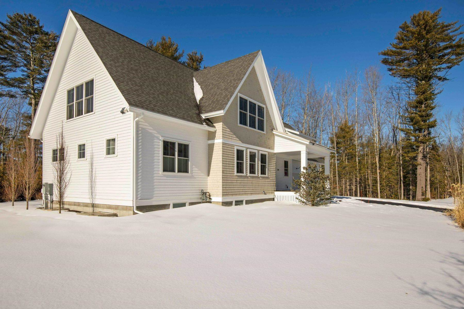 45. Single Family Homes for Sale at Yarmouth, ME 04096