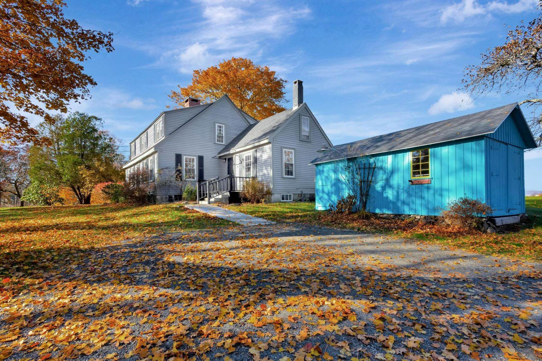 27. Single Family Homes for Sale at Owls Head, ME 04854