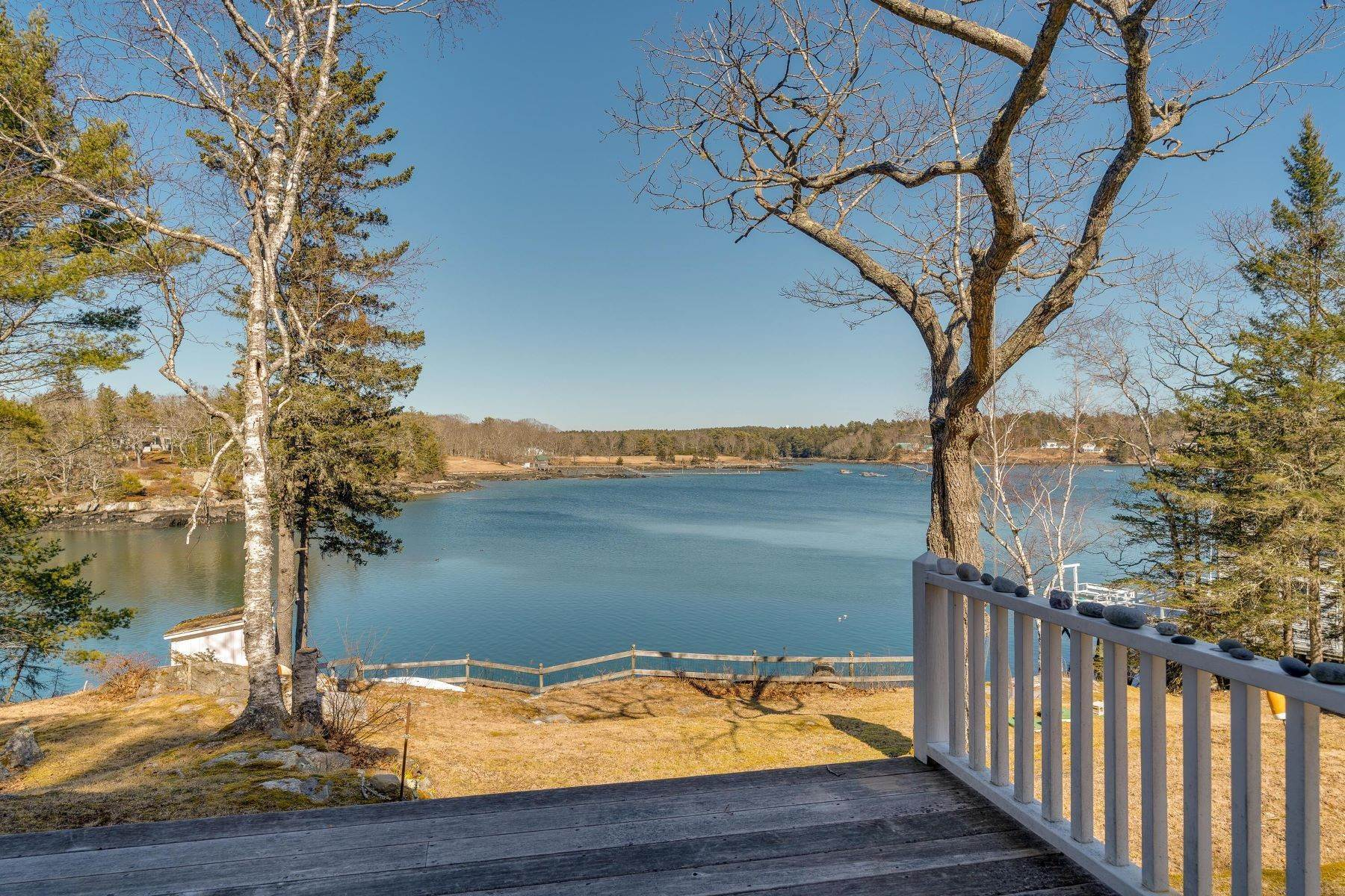 37. Single Family Homes for Sale at Southport, ME 04576