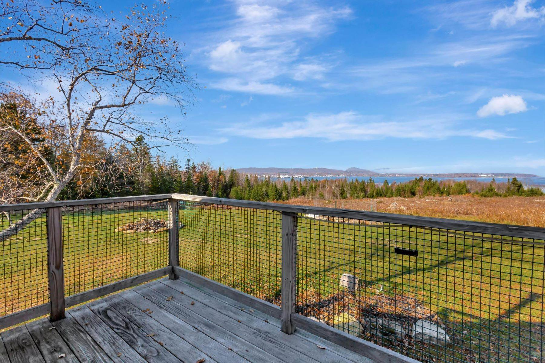 32. Single Family Homes for Sale at Owls Head, ME 04854