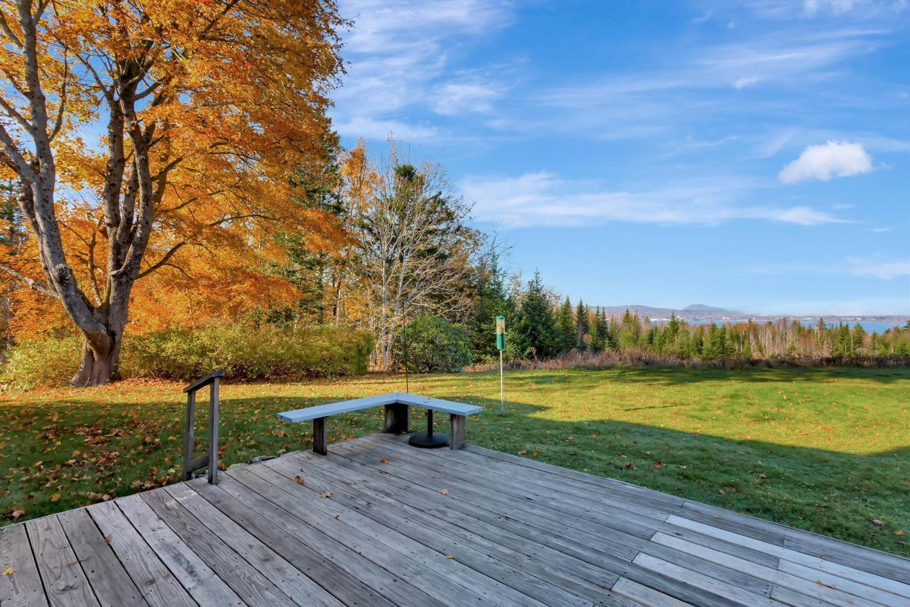15. Single Family Homes for Sale at Owls Head, ME 04854