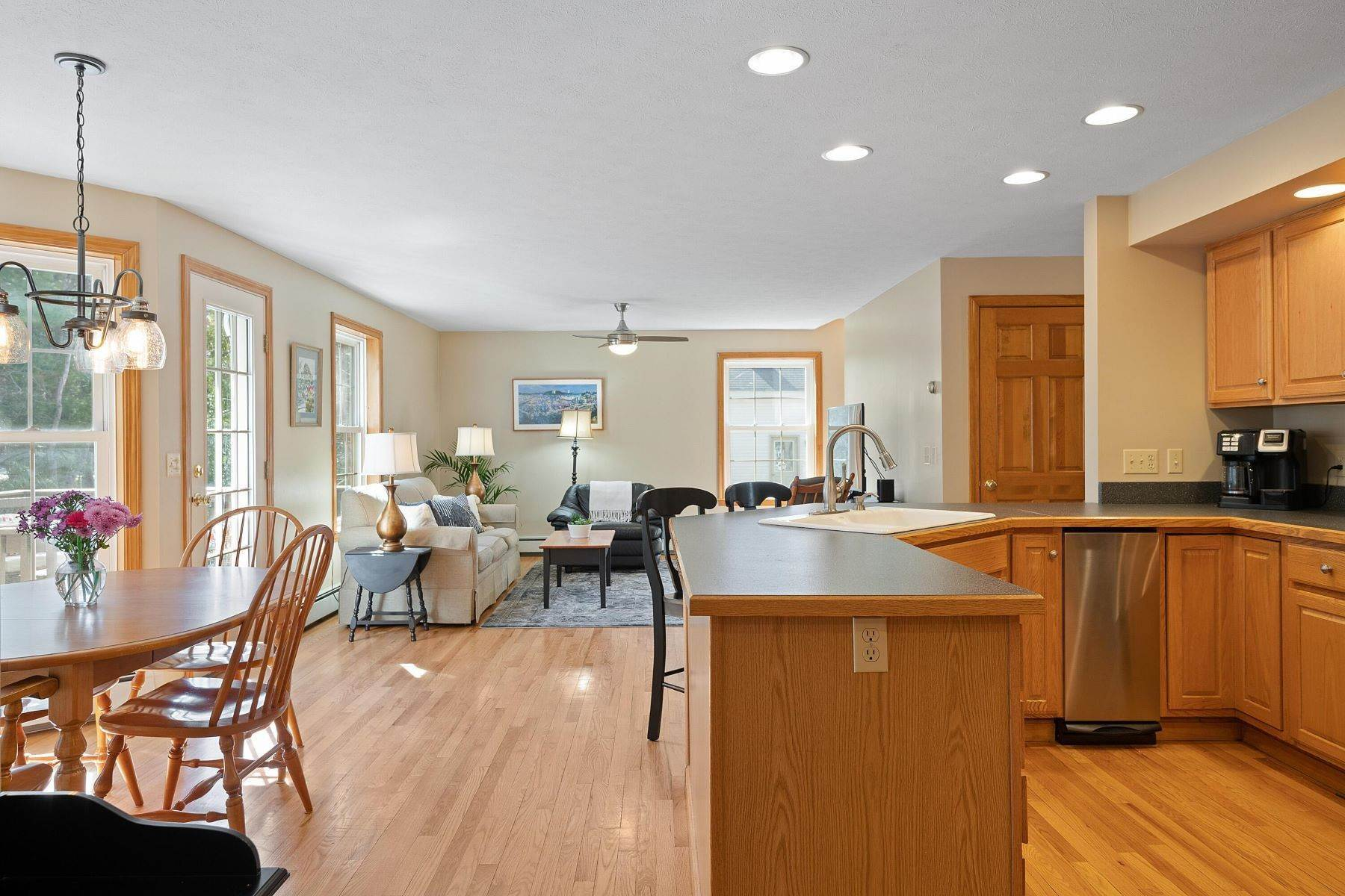 17. Single Family Homes for Sale at Brunswick, ME 04011