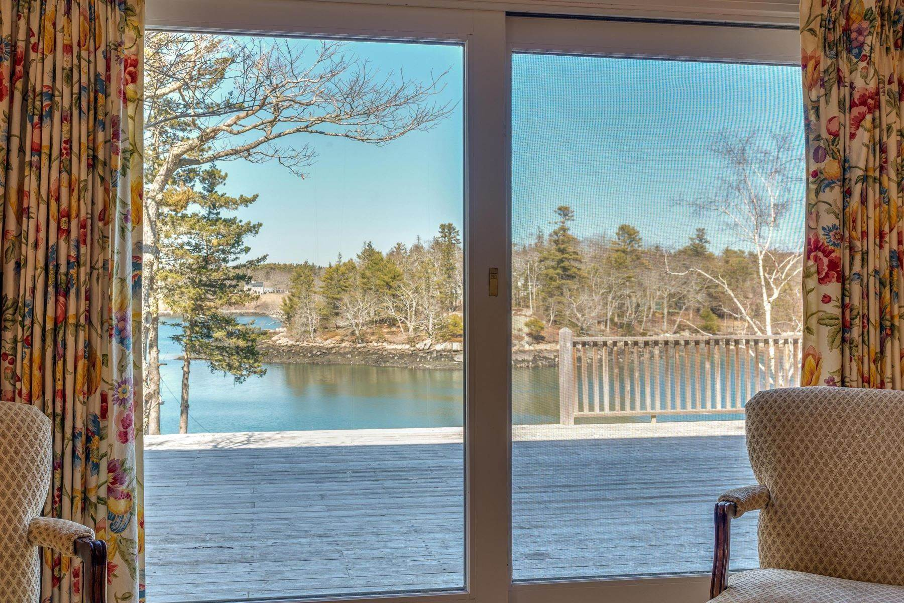 17. Single Family Homes for Sale at Southport, ME 04576
