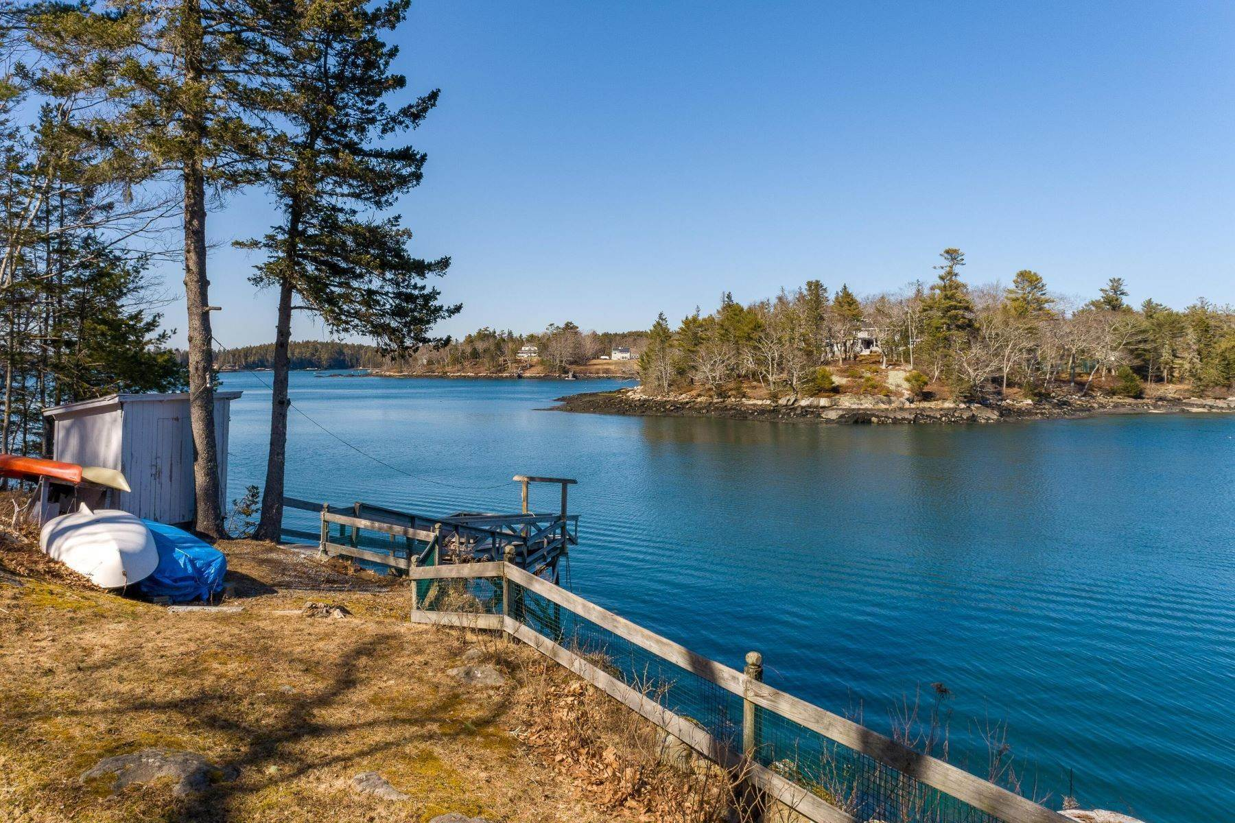 39. Single Family Homes for Sale at Southport, ME 04576