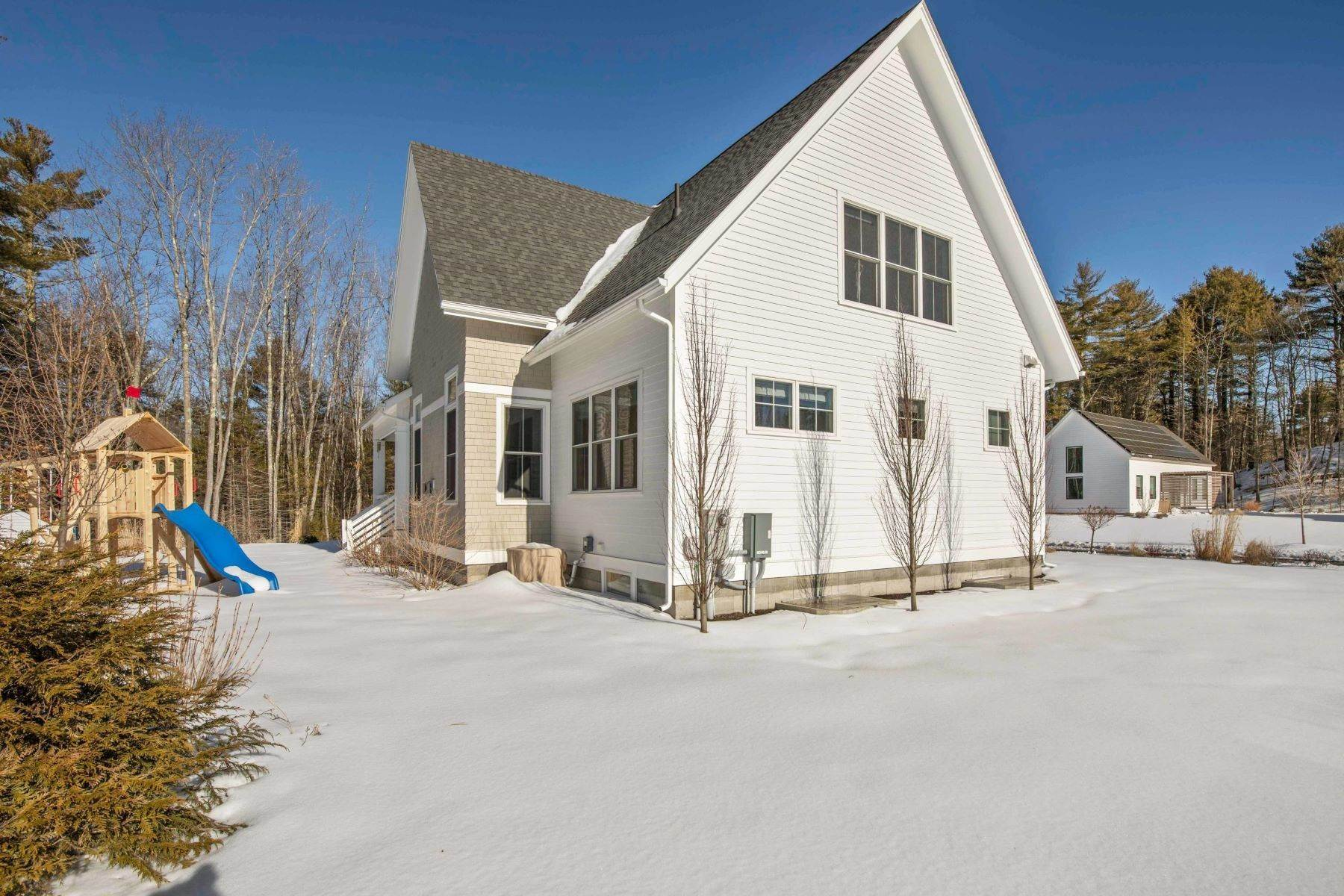 46. Single Family Homes for Sale at Yarmouth, ME 04096