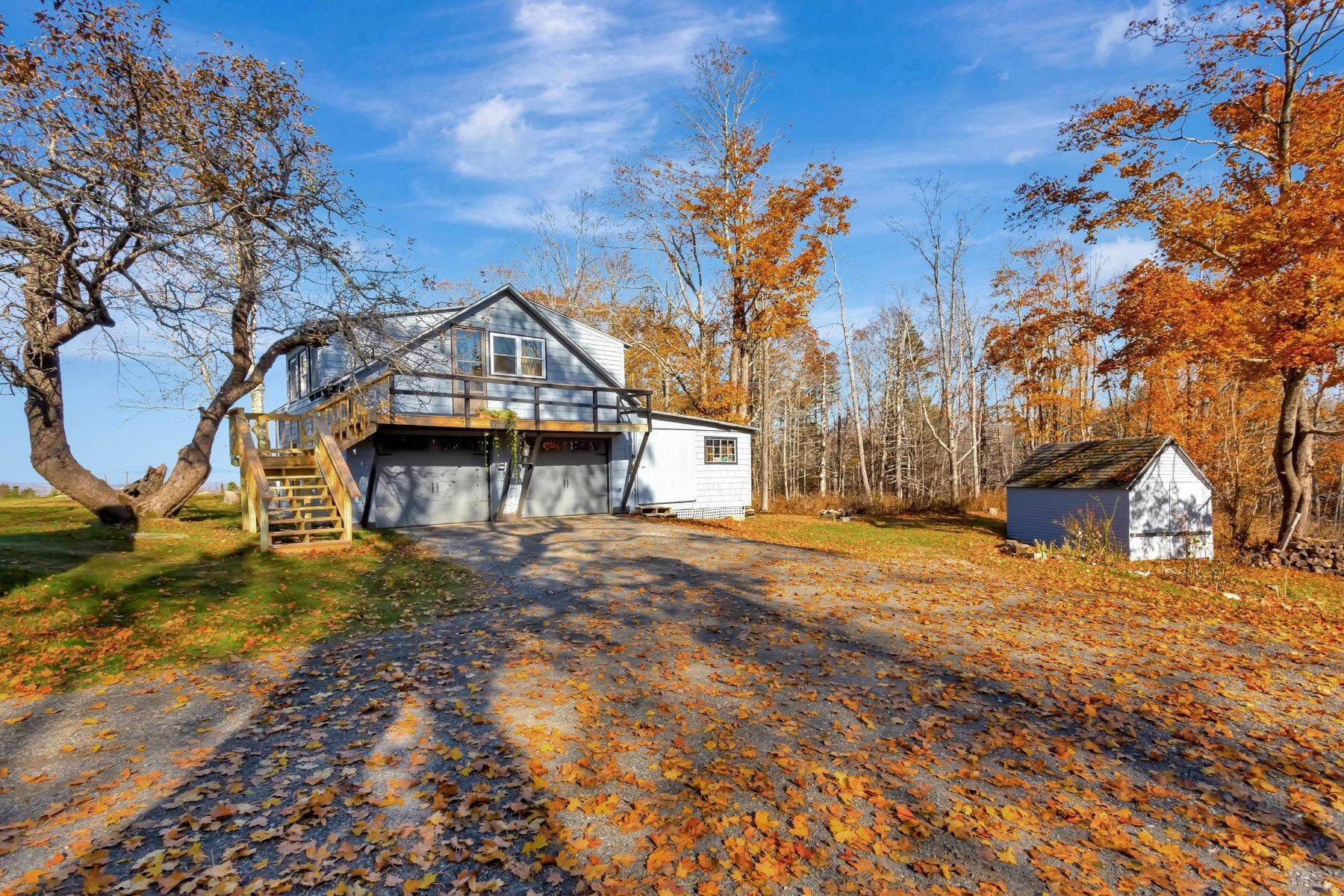 29. Single Family Homes for Sale at Owls Head, ME 04854