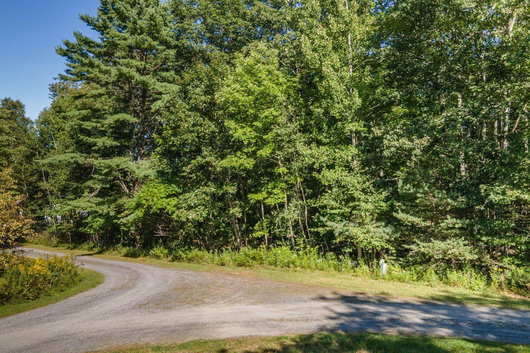 4. Land for Sale at Boothbay, ME 04537